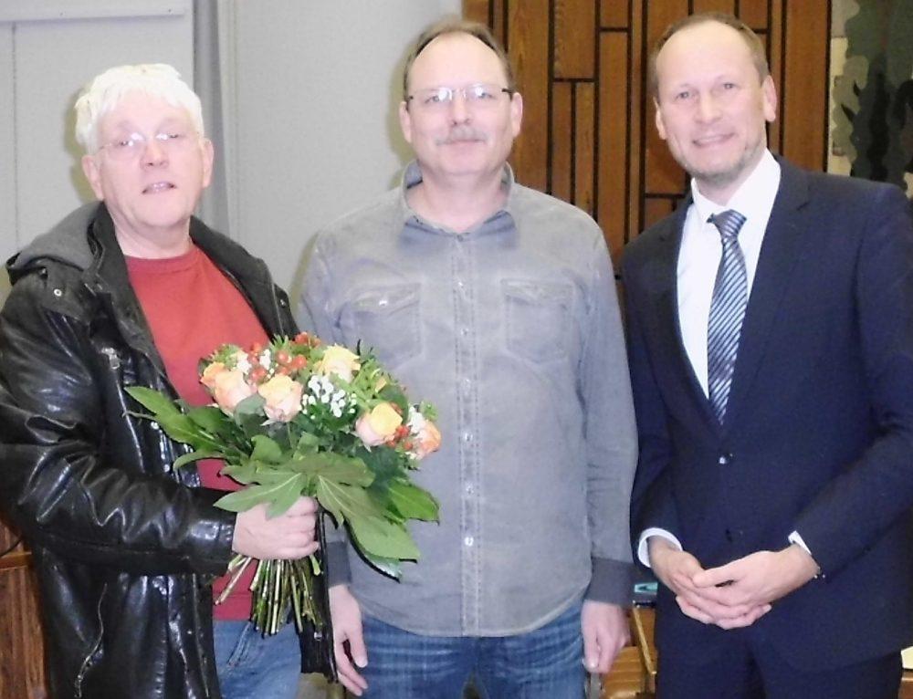 Verabschiedung von Ratsmitglied Peter Weidenbörner von Dr. Hermann Ottensmeier und Bürgermeister Bernd Poggemöller